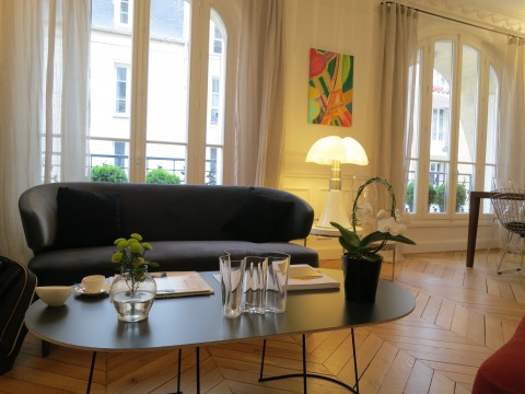 Lounge at Relais 12 Bis Paris ©Sylvia Davis